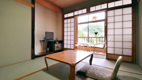 写真:和室6~7.5畳(バスなし)