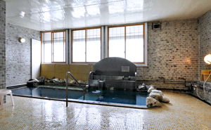 写真:大浴場全景